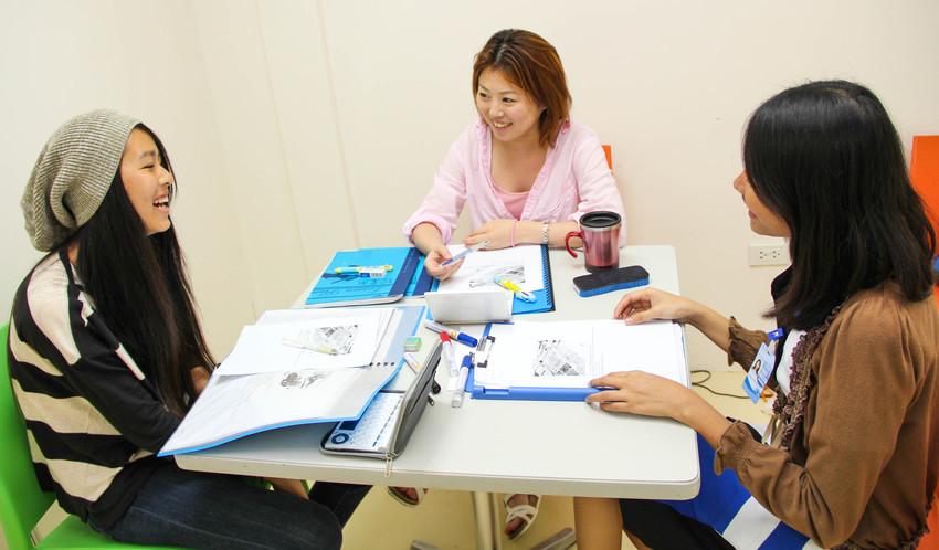 菲律賓宿霧 First English 語言學校一對一課程上班族進修